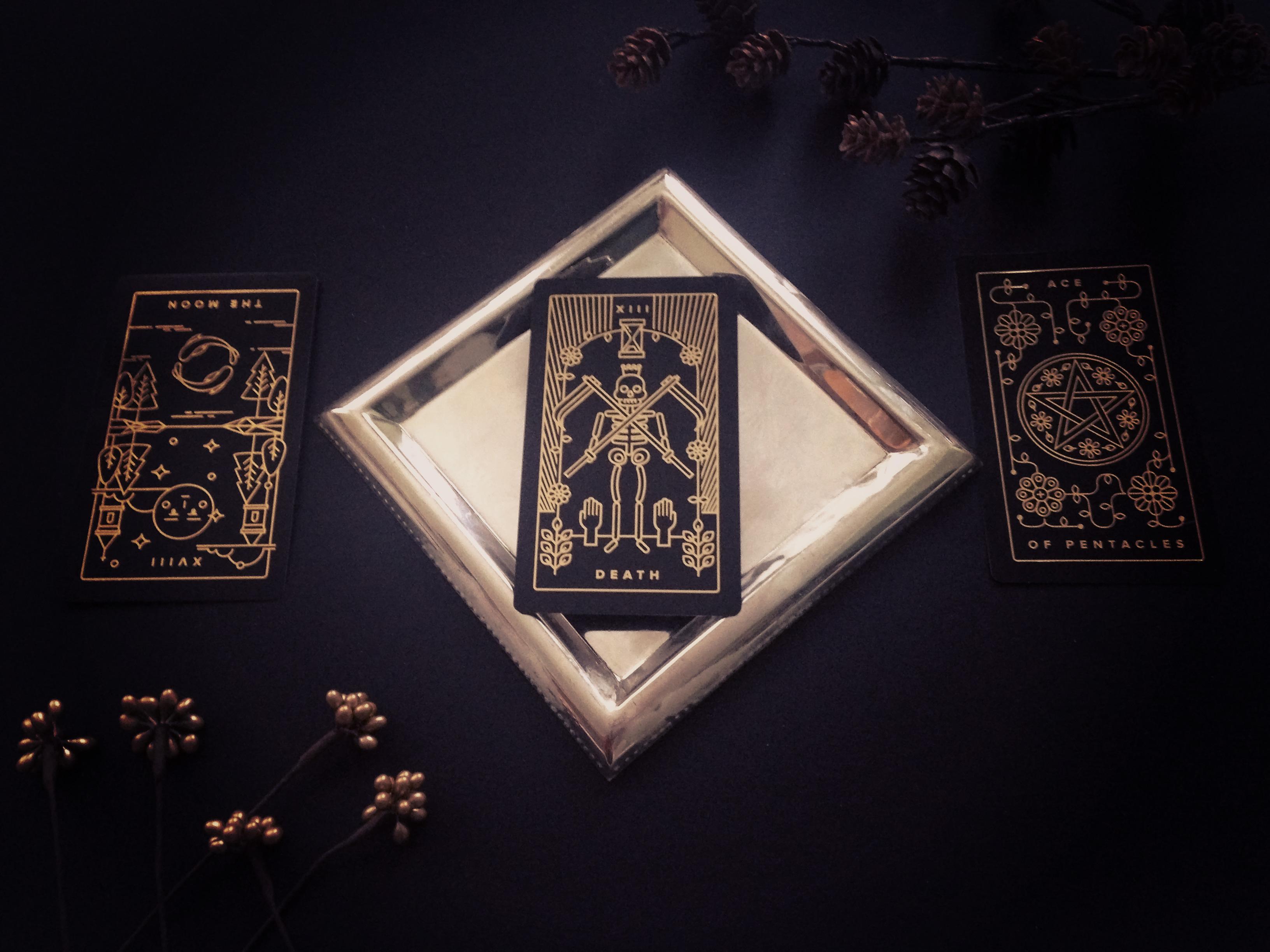 Golden Thread Tarot: Tarot for Beginners - How to Read Tarot